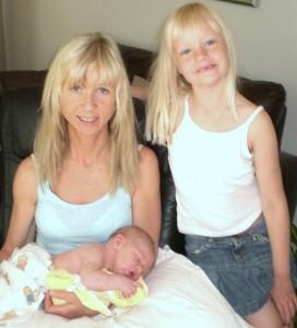 Moster,storasyster och bebis!