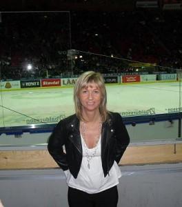 På hockeymatch.