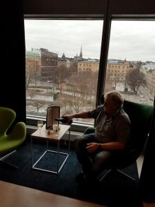 Kanonfin utsikt från hotellrummet och här ska det skålas i skumpa!