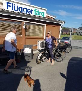 Vem behöver Liseberg, när vi kan testa elcykeln på firman....!KUL!