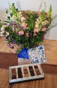 Tusen tack Carina och Mats för kort,blommor och choklad!!Hälsar husse.